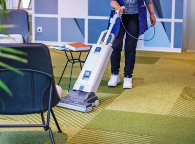 ASE Unterhaltsreinigung - Reinigungsservice - Teppich saugen
